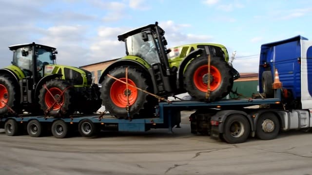 traktor-61