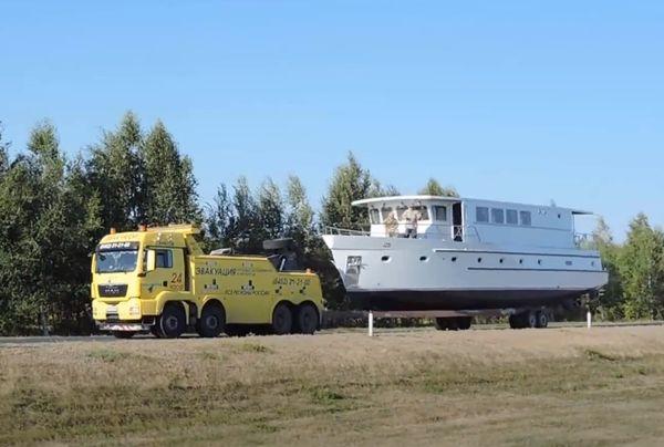 перевозка корабля по суше