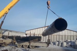 платформа для перевозки труб большого диаметра