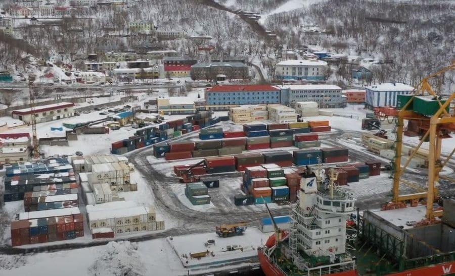 Груз в порте Петропавловска-Камчатского